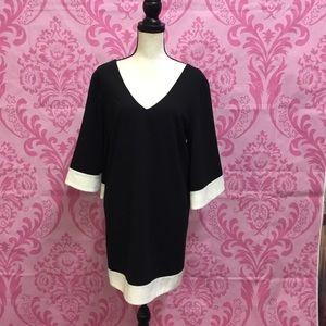 ALI & JAY Dresses - Ali & Jay classy bell sleeve dress szM